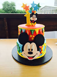 mickey mouse cake piso superior pinteres