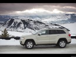 jeep snow jeep grand cherokee 2011 on snow side wallpaper 3