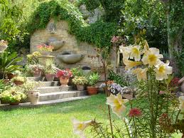 decoration petit jardin idee de deco de jardin architecture d u0027intérieur idees accueil