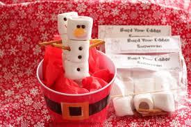 christmas table favors to make easy christmas party favor build your edible snowman kit
