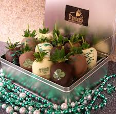 gift boxes for chocolate covered strawberries 10 best chocolate covered strawberries ideas images on