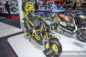 bentley zoomer honda zoomer x by x paint front quarter at 2016 bims indian