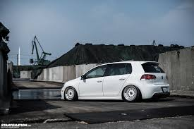 volkswagen gti modified in white yasunobu u0027s usdm style vw golf stancenation