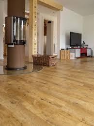 Wohnzimmer Ideen Eiche Hausdekorationen Und Modernen Möbeln Geräumiges Kleines