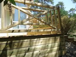 piscine sur pilotis pose terrasse bois sur pilotis dans les landes terrasse bois