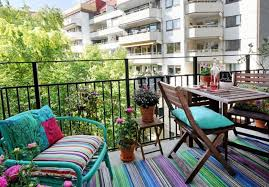 Apartment Decorating Ideas For Plain Apartments And An Balcony