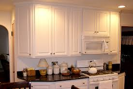 Thermofoil Cabinets White Thermofoil Kitchen Cabinets With Granite Counter Top