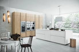 cuisine blanc laqué cuisine bois et blanc laque blanche la en homewreckr co