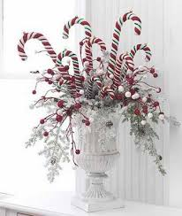 Candy Vases Centerpieces 36 Impressive Christmas Table Centerpieces Decoholic