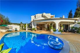 house with pool large house with pool sleeps 9 in vilamoura avh