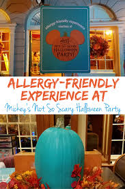 mickey s not so scary halloween party allergy friendly halloween walt disney world travelingmom