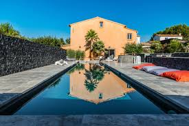 dallage exterieur en pierre naturelle carrelage exterieur piscine déco piscine carrelage gris 27