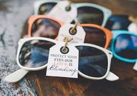 unique wedding favor ideas sunglasses wedding favours ideas