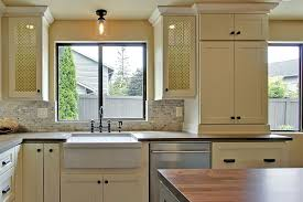 horizontal top kitchen cabinets learn how to place kitchen cabinet knobs and pulls cliqstudios