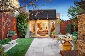 modern landscape design for small spaces complete with small lawn