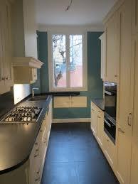 la cuisine fran軋ise meubles cuisine blanche plan de travail noir 14 cuisine la cuisine