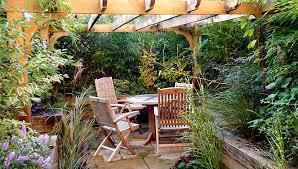 creative small courtyard garden design ideas courtyard garden design reading berkshire landscape garden