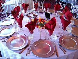 modern style table settings for weddings with table setting round