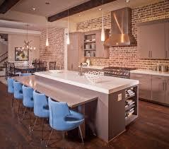cuisine sur un pan de mur brique et cuisine 15 modèles de murs en brique