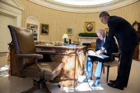 Desk In Oval Office by Behind The Lens 2015 Year In Photographs U2013 The Obama White House