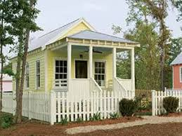 Katrina Cottages Professor Designs Homes For People Displaced By Hurricane Katrina