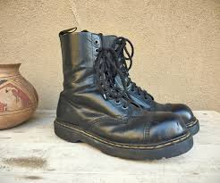 womens boots uk size 10 vintage well worn made in dr martens uk size 10 black