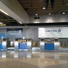 united airlines help desk united airlines 17 photos 43 reviews airlines 8000 essington