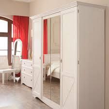 chambre en bois blanc chambre adulte complète 140 190 pin blanc gentiane univers chambre