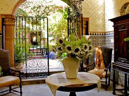 Homes With Courtyards by Spanish Style Homes With Courtyards Home Style