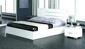 chambre laqué blanc brillant chambre a coucher blanc laque brillant land meubles