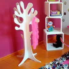 porte manteau chambre bébé le porte manteau arbre ajoute une touche déco à votre intérieur