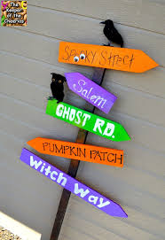 halloween yard decorations 25 best halloween yard art ideas on pinterest halloween yard