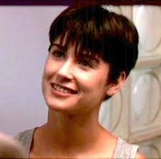 demi moore haircut in ghost the movie demi moore ghost hairstyle google search quotes pinterest