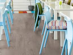 Sand Oak Laminate Flooring Laminate Flooring Carbon Oak By Pergo