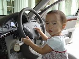 siege auto devant a partir de quel âge l enfant peut il s installer à l avant d une