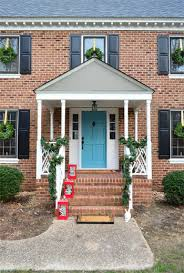 outdoor decorating the easy way to hang window wreaths