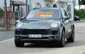 Porsche Macan Facelift - porsche macan turbo hotter luxury crossover spied photos 1 of 10
