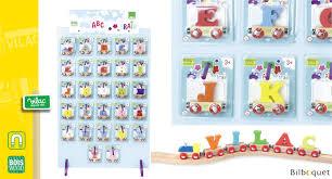 lettre chambre enfant lettre vilac vilac chambre d enfant et décoration