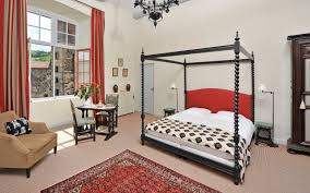 chambre d hotes tours maison d hôtes auvergne dormir au château de saturnin