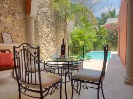 colonial style in historic centro vrbo