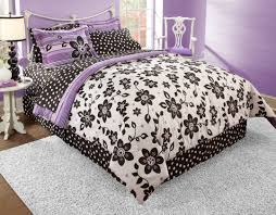 Bedroom Decorating Ideas With White Comforter Bedroom Inspiring Bedroom With Black White Purple Bedroom