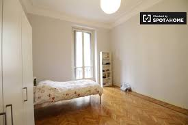 bedrooms pictures spacious room in 4 bedroom apartment in cidoglio turin ref