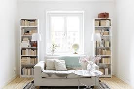 étagère derrière canapé comment aménager un salon à aire ouverte déconome