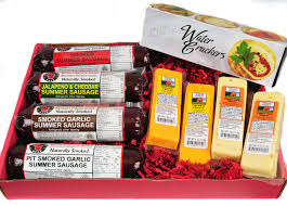cheese and sausage gift baskets wisconsin s best cheese sausage tailgating gift