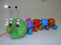 membuat mainan dr barang bekas 9 ide kreatif membuat mainan anak dari barang bekas do it yourself