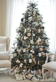 37 awesome silver and white tree decorating ideas