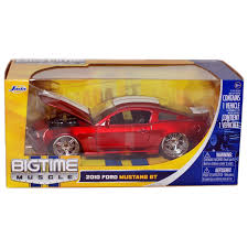 ford mustang gt white stripes amazon com bigtime 2010 ford mustang gt 1 24 scale