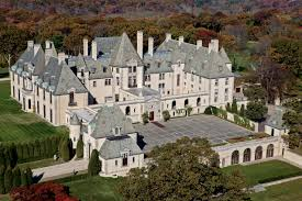gatsby style the original houses which inspired f scott oheka castle on long island new york inspiration for gatsby house