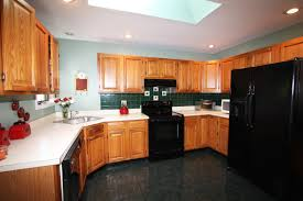 oak kitchen cabinets ideas kitchen color ideas with oak cabinets and black appliances kitchen