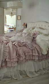 Chic Bedroom Ideas by Best 25 Shabby Chic Master Bedroom Ideas On Pinterest Chic